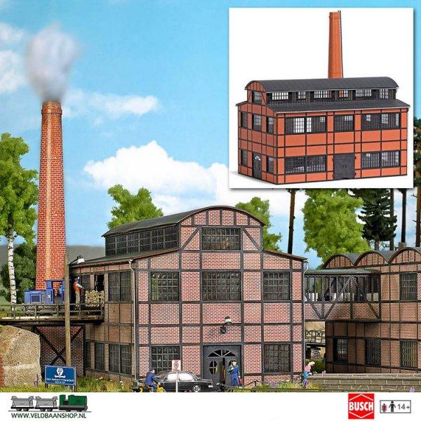 Busch 1557 bouwdoos fabrieksgebouw + pijp Papierfabriek H0