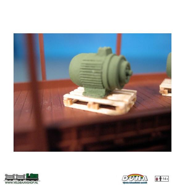 DUHA 11232 Elektromotor auf Holzpalette H0 Veldbaanshop.nl